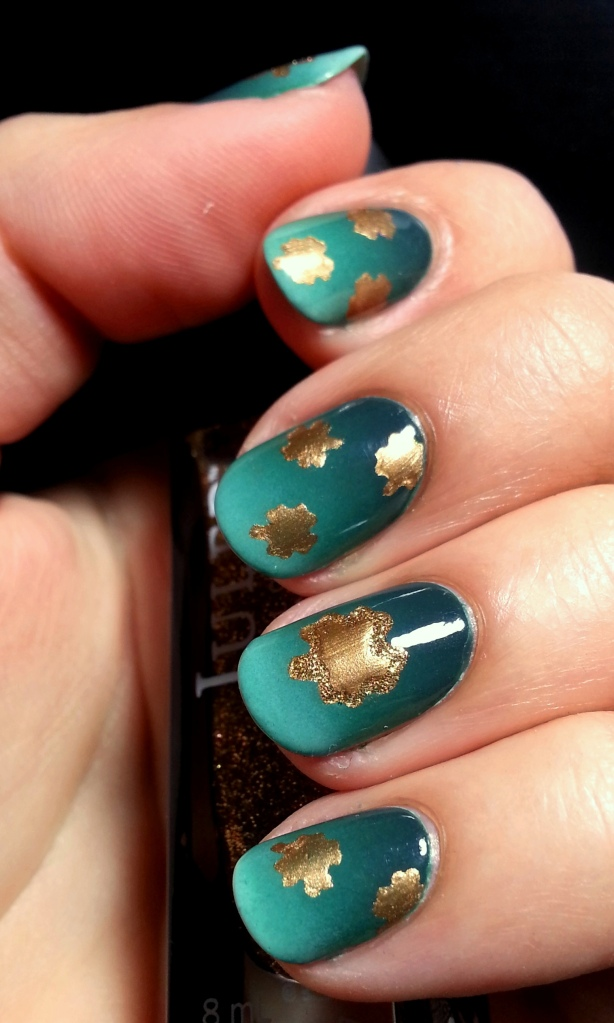 St. Patrick's Day Green Gradient Gold Shamrocks 4