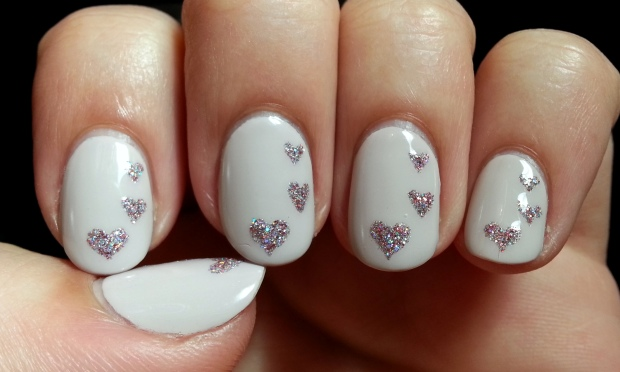 Little Glitter Hearts Nail Art